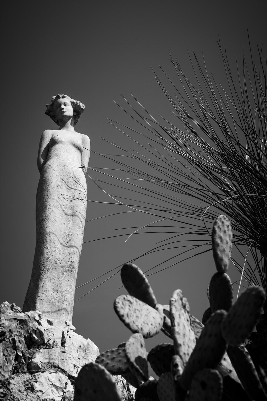 Eze ville miriland for Eze jardin exotique statues