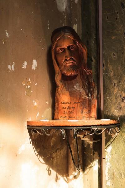 Jesus scuplture