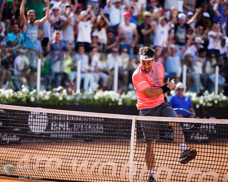 Fabio Fognini wins the first set